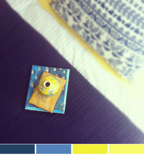 חדר שינה כחול וצהוב