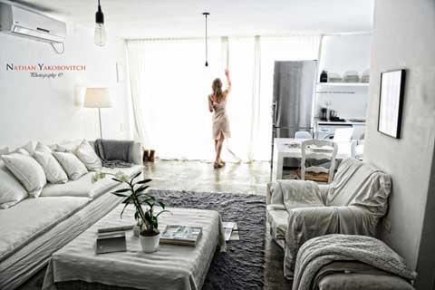 סלון בגווני לבן עיצוב ישראלי רינת ארביב אברמוביץ