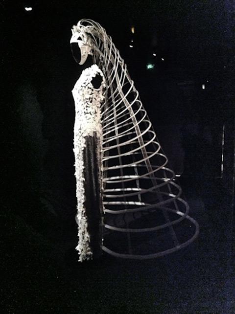 מוזיאון אומנות שימושית - תערוכת טקסטיל  פריז צילום דנה ישראלי