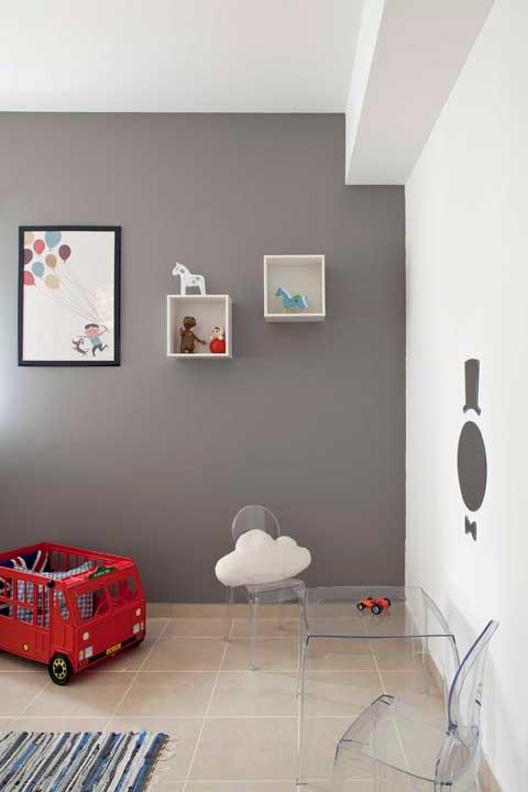 חדר תינוקות אפור אדום לבן